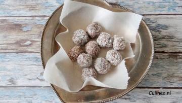 Chocolade tahin truffels met kokos