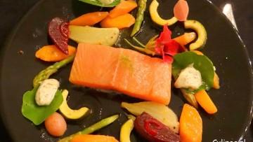 Gekonfijte zalm met escabeche van groente