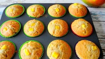 Muffins met banaan, kokos en mango