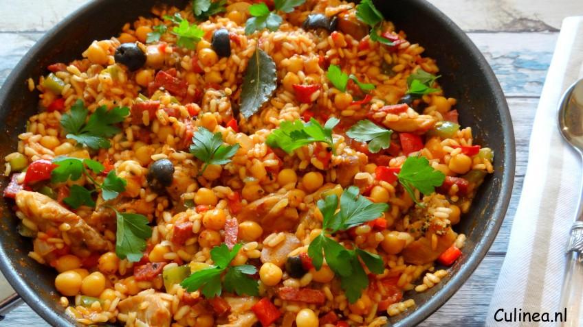 Spaanse risotto met kip en kikkererwten