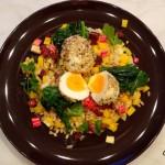 Lauwwarme salade met tarwe, pastinaak, wortel, bietjes en een dukkah ei