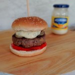 Hamburger met dragonmayonaise