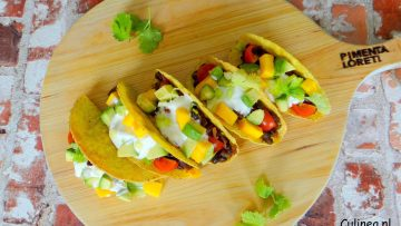 Taco's met bonen, avocado en mango