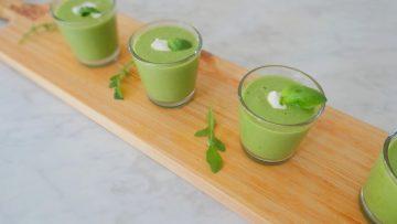 Gazpacho van avocado, komkommer en rucola
