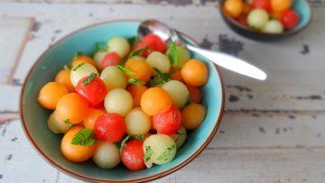 Meloenbolletjes met lavendelsiroop en munt