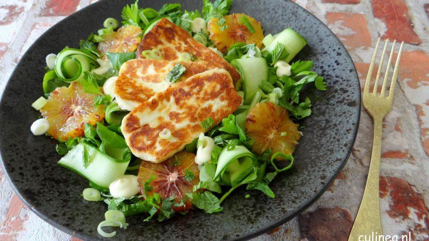 Salade met halloumi en sinaasappel