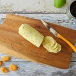 Chipotle kerrieboter met gedroogde abrikozen
