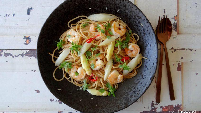 Spaghetti met asperges en garnalen