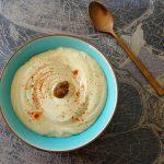 Hummus met gekonfijte knoflook