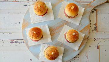 Gevulde mini cheeseburgers