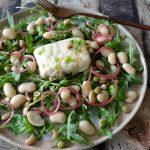 Salade met Griekse boontjes mix en gebakken feta