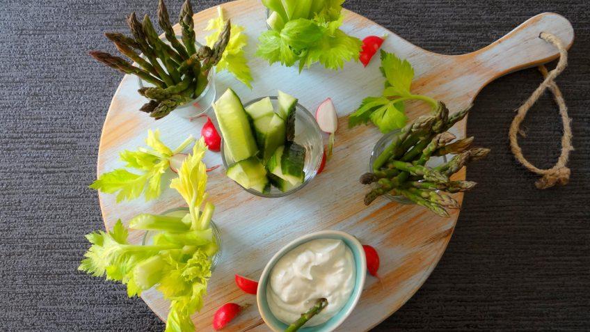Wasabi dip met rauwkost