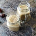 Espresso, dadel en yoghurtsmoothie