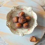 Pepernoot truffels met pecannoten