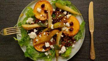 Salade met pompoen, peer, linzen en cranberries