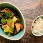 Curry van kalkoen en wokgroenten