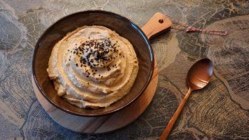 Hummus met rode miso
