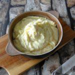 Aardappelpuree met kaas en knoflook