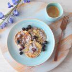 http://www.kookpraat.nl/pannenkoeken-met-maar-2-ingredienten/