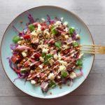 Salade rode kool, biet, linzen en feta