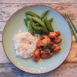 Aziatische kipstukjes met rijst en sugar snaps