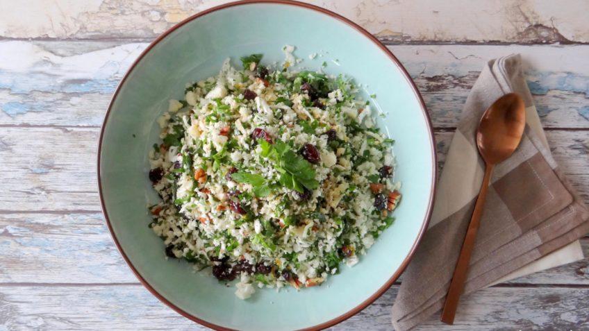 Bloemkool couscous met verse kruiden en cranberries