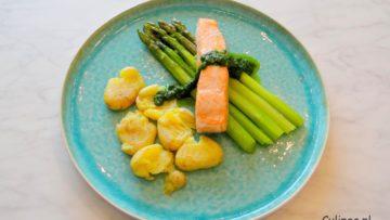Zalm met groene asperges en krieltjes uit de oven