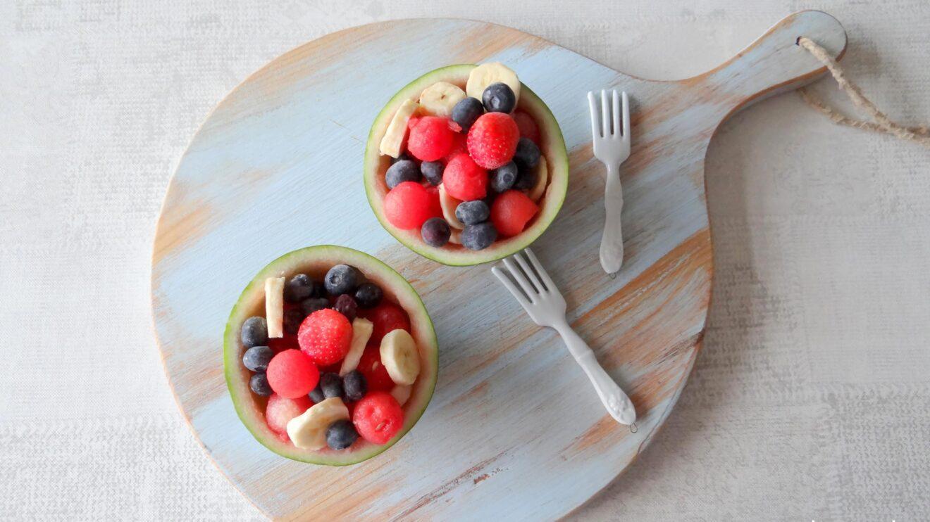 Mini watermeloen met vers fruit