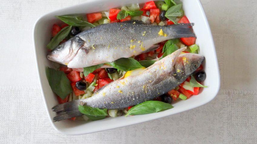 Zeebaars uit de oven met venkel, tomaat en basilicum