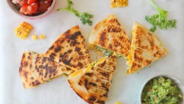 Quesadilla gemaakt van piadine met maïs