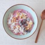Blauwe bessen smoothiebowl