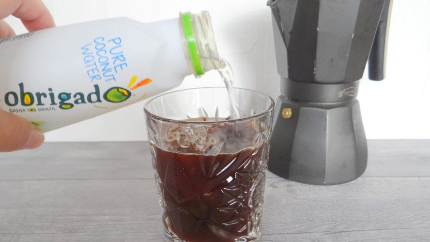 IJskoffie met kokoswater