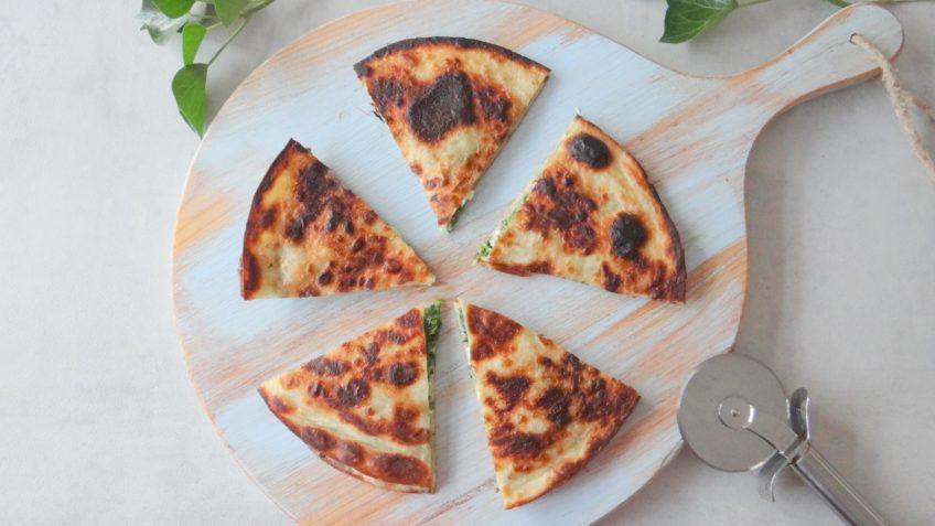 Quesadilla met spinazie, feta en mozzarella
