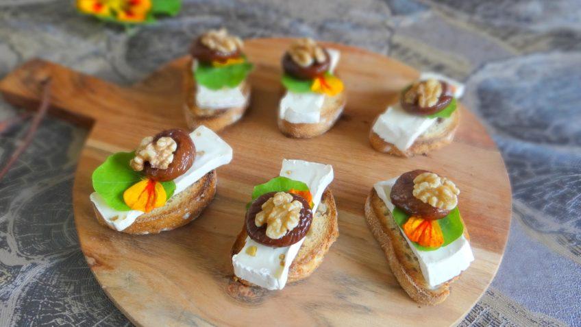 Bruschetta met geitenkaas, vijgen en walnoten