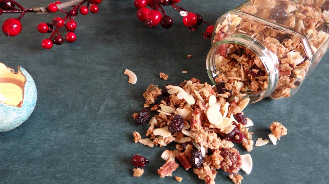 Winterse granola met koekkruiden