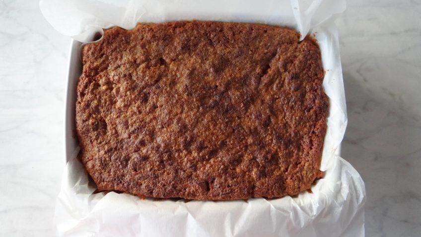 Zoete aardappel cake met topping
