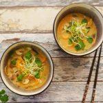 Vegetarische Tom Kha Kai met paddenstoelen