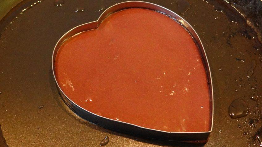Red velvet hartvormige pannenkoekjes