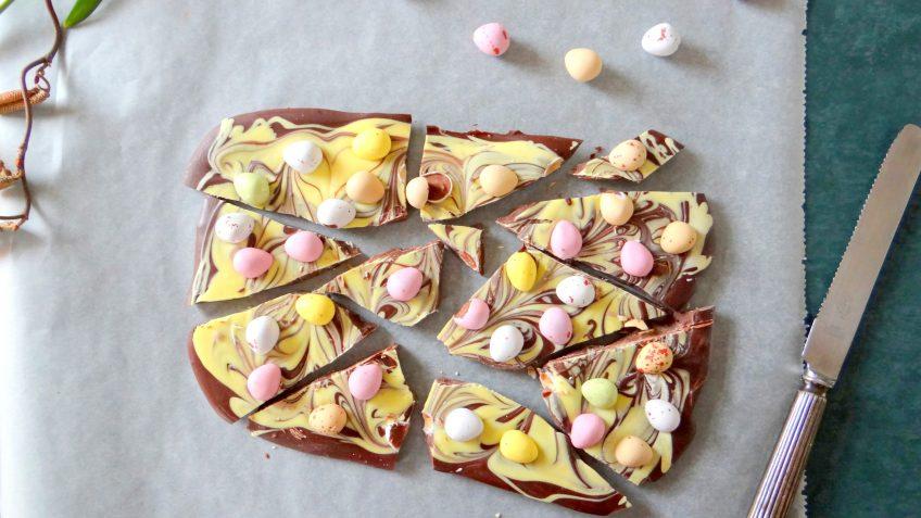 Chocoladereep met dragee eitjes