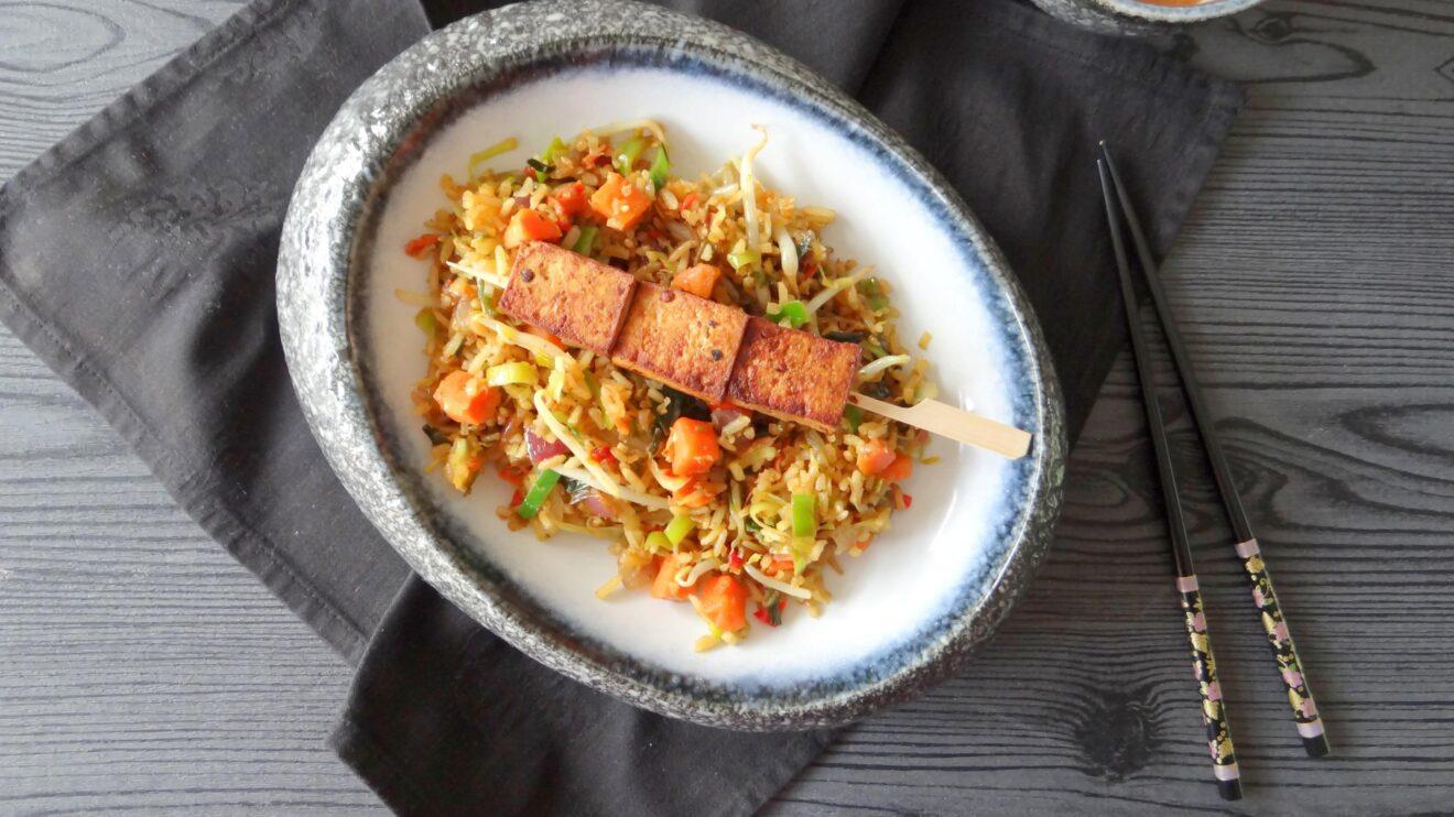 Pittige tofu met vegetarische nasi