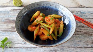 Roergebakken asperges met garnalen