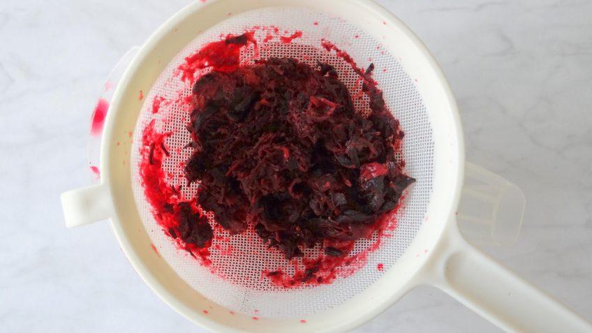 Aardbeien hibiscus mocktail