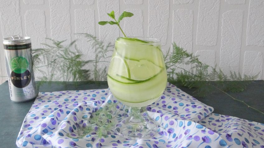 Kokos mojito mocktail met komkommer