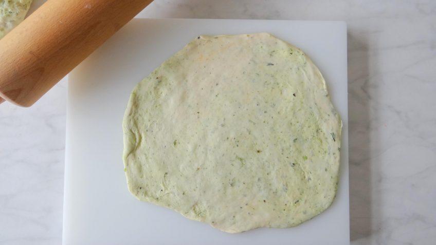 Lamsreepjes met zelfgemaakt platbrood