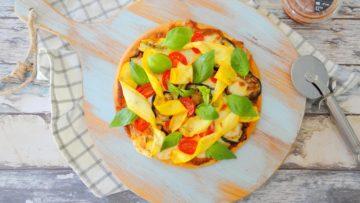 Arrabiata bloemkoolpizza met gegrilde groenten
