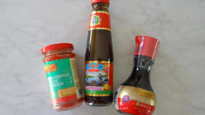 Aziatische barbecue kippendij spiesjes