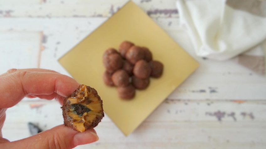 Dulce de leche truffels met zwarte knoflook