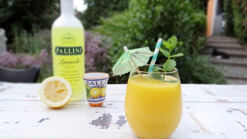 Tropische mango Limoncello cocktail
