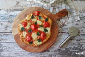 Pizza maken op Yakiniku Kamado Grill