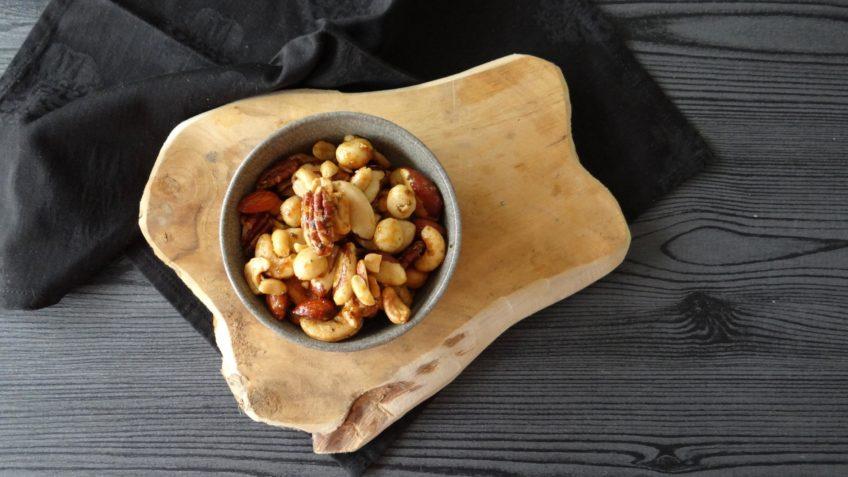 Zelf noten roosteren en kruiden